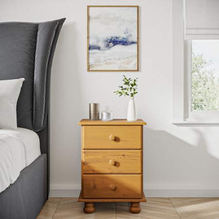 low priced 7c063 b9894 Hamilton 3 Drawer Bedside Table in Pine
